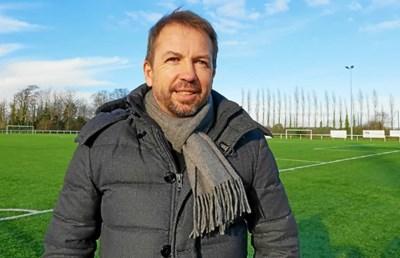 51-годишният французин Беноа Кое може да смени Стамен Белчев като треньор на ЦСКА. СНИМКА: ФЕЙСБУК/БЕНОА КОЕ