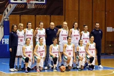 Националният ни отбор за жени все още е далече от нивото на Испания и Украйна. СНИМКА: Lap.bg