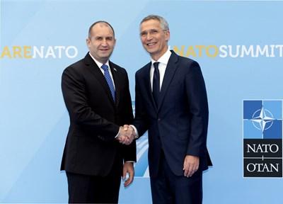 Българският президент Румен Радев се срещна с шефа на НАТО Йенс Столтенберг. СНИМКА: РОЙТЕРС