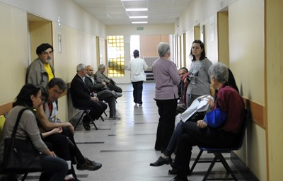 """Хиляди пациенти ще трябва да пътуват до София, което крие риск за тези в тежко състояние СНИМКА: """"24 ЧАСА"""""""