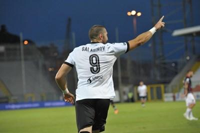 """Гълъбинов се радва след гола срещу """"Козенца"""". Снимка: фейсбук на """"Специя"""""""