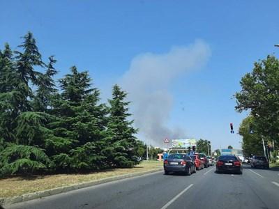Пожар избухна до помпена станция край пловдивско село