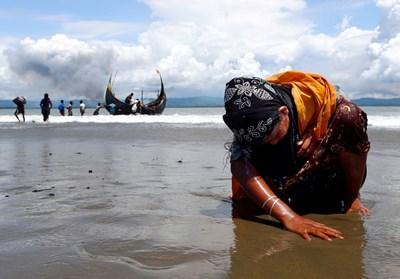 Насилието срещу мюсюлманите рохинги в Мианма бележи смъртта на Нобеловата награда за мир. СНИМКИ: Ройтерс