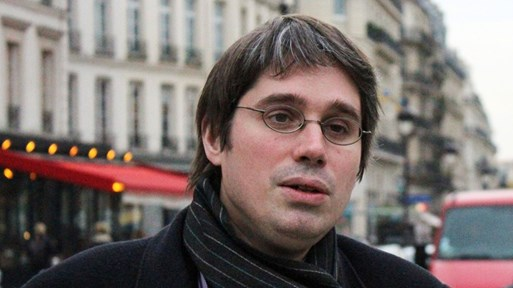 Френски топслужител в Сената шпионирал за Северна Корея