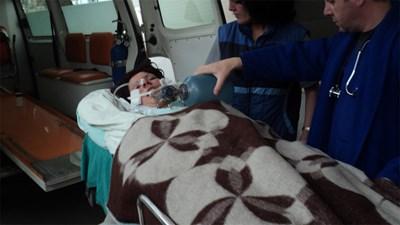 """18-годишната Даниела бе докарана в кома в """"Пирогов"""". СНИМКА: Антоанета Маскръчка"""