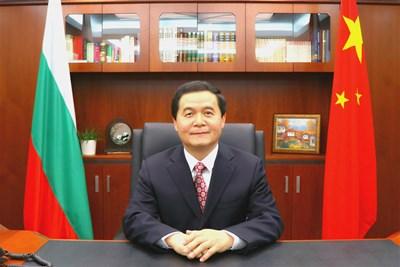 Дун Сяодзюн, посланик на Китайската народна република в България