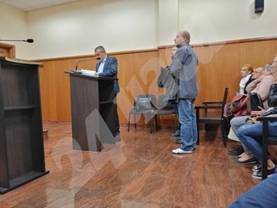 Момент преди заседанието на спецсъда по мерките за неотклонение на обвинените. СНИМКА: 24 часа