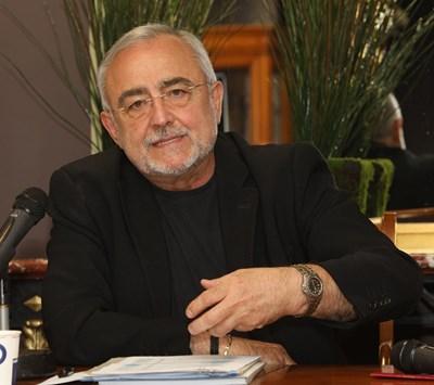 Директорът на НТ Мариус Донкин се похвали с ръст та зрителите на постановките на първата трупа. СНИМКА: Божидар Марков