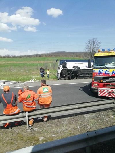 """Шест души загинаха в кървавата катастрофа на АМ """"Тракия"""" на 13 април. Снимка:24 часа"""