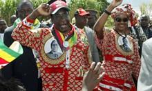 Мугабе остави $1 млрд. на ненаситната Грейс. Приживе държавникът й подари пръстен за $20 млн., докато народът му гладува