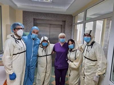 """Медиците от COVID отделението на УМБАЛ """"Софиямед"""""""
