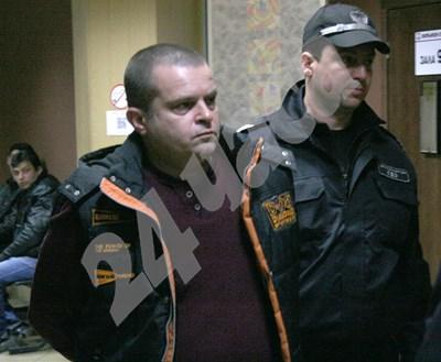 Обвиненият за убийството на доц. Стефан Нейков - Илия Стоичков СНИМКА: Евгени Цветков СНИМКА: 24 часа