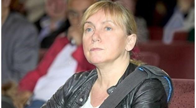 Отричайки, Елена Йончева призна, че има офшорка с Цветан Василев. Всичко било законно