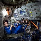 Скот Кели на борда на Междуародната космическа станция.