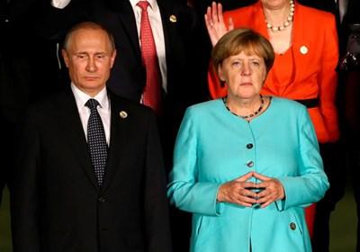 Владимир Путин и Ангела Меркел СНИМКА: Ройтерс