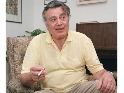 Петър Гюров
