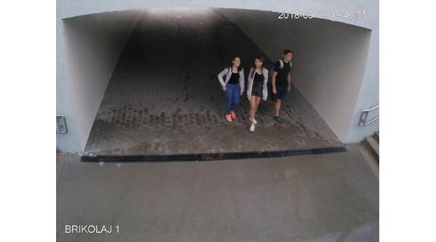 Младежи надраскаха стените на наскоро построен подлез в Русе
