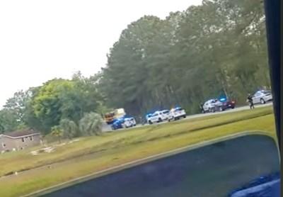 Въоръжен отвлече автобус с деца Кадри: ABC News