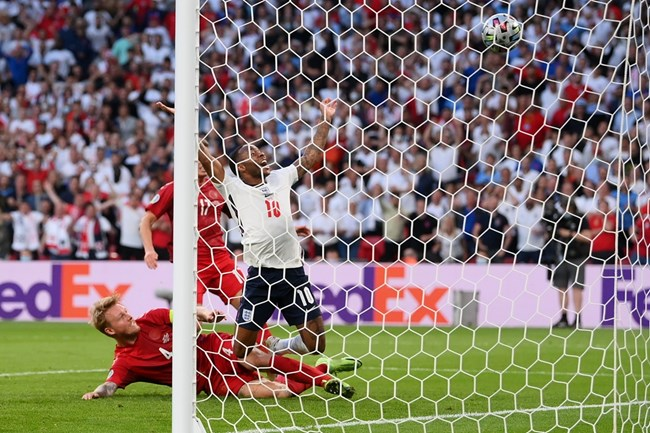Англия обезвреди