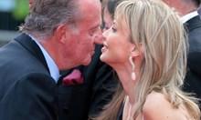 Разпитват любовниците на Хуан Карлос, докато той се крие в 7-звезден хотел в Абу Даби