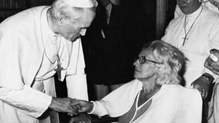 Жената, ранена до папата, не вярвала в BG следа