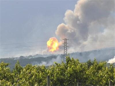 """Миг от взривовете в цеха на """"Берета трейдинг"""" на 5 юни т.г.  СНИМКИ: БУЛФОТО И """"24 ЧАСА"""""""