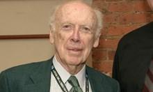 Лишиха откривателят на ДНК и Нобелов лауреат д-р Джеймс Уотсън от титлите му. Дъното!