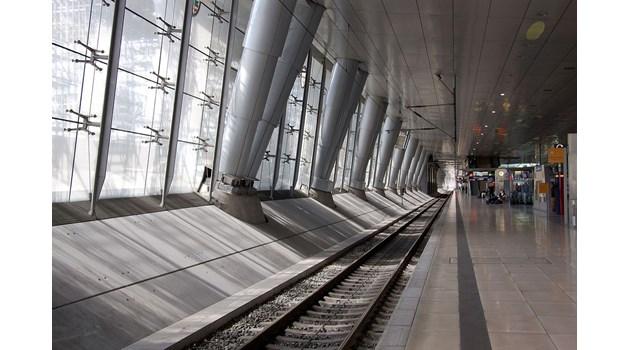 Българи не успяха да излетят от летище Франкфурт, сред тях има деца и болни