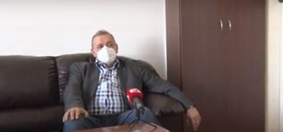 Зад маската е професор Тодор Кантарджиев Кадър: Канал 3