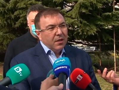 Министър Ангелов: Връщаме си живота такъв, какъвто беше (На живо)