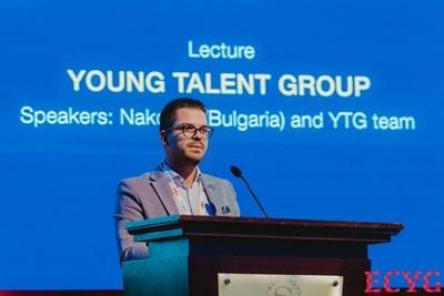 Младият лекар  Радислав Наков се изказва на научен форум. СНИМКА: 24 Часа