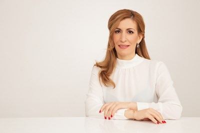 Николина Ангелкова: Българският туризъм от години работи в пазарна среда, конкуренцията, не държавата определя цените