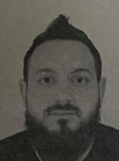 Този мъж също е бил сред нападателите