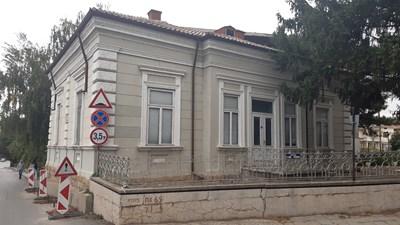 Улягане и незаконни преустройства са повредили Самоковлиевата къща