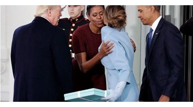 """Мишел Обама разкри какво е имало в мистериозната синя кутия """"Тифани"""", която й подари Мелания преди 1 г."""