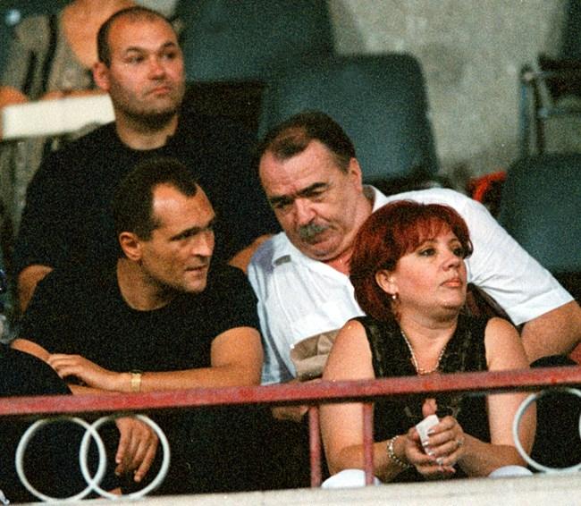 """Божков си говори с близкия си приятел Стефан Найденов на """"Българска армия"""". Сега двамата са във война."""