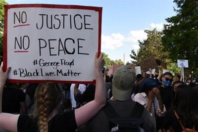 Сю Гуейсян: В САЩ, а не в Синдзян се върши геноцид