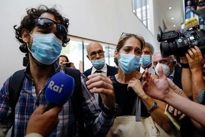 Айя Биран, леля по бащина линия на Ейтан Биран, на шестгодишното момче, което беше единственото оцеляло в трагедията с италианска въжена линия Снимка: Ройтерс