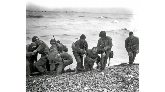 Как Ким Филби и приятелите му спасиха десанта в Нормандия. С Хуан Гарсия разиграват армиите на Хитлер из цяла Европа