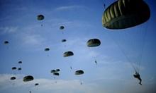 В Чешнегирово тренирали десант с уреди за нощно виждане, отваряли парашутите ниско