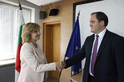 Шефовете на българските и гръцките данъчни обсъдиха мерки срещу измамите