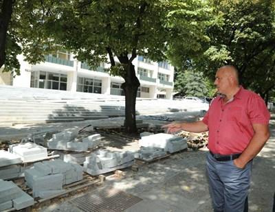 Бойко Борисов разгледа в неделя ремонтите, които се правят в момента в Стара Загора. СНИМКА: снимка: Правителствена Пресслужба