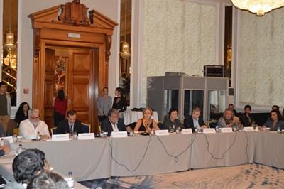 Владо Пенев, Тодор Чобанов, Вежди Рашидов, Гергана Паси, Жана Караиванова и Магърдич Халваджиян бяха на първата публична дискусия за новия закон за филмовата индустрия.