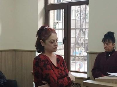 Тонка Драгиева в съда. Снимки: Авторът