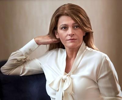 Съпругата на президента Румен Радев с аневризми* в мозъка, може да са усложнения след COVID (Обзор)