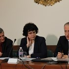 Министърът Красимир Вълчев и заместничката му Таня Михайлова представят идеите.