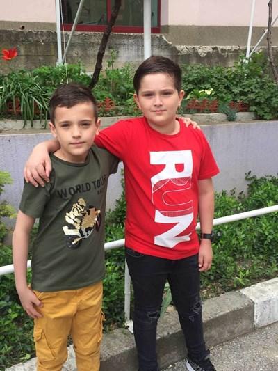Близнаците Антонио и Евгени СНИМКИ: Авторката