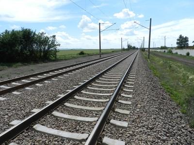 """Довършването на т.нар. жп магистрала """"Тракия"""", която трябва да осигури влакове със 160 км в час, е един от най-скъпите проекти с еврофинансиране - по него има пуснати търгове за над 2 млрд. лв."""