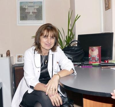Д-р Красимира Иванова, сестра на премиера Бойко Борисов, от години се бори за въвеждането на NAT тестовете за дарената кръв.