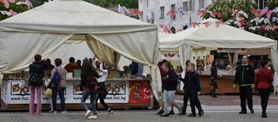 """До събота продължава изложението """"Литера експо"""" в Благоевград."""